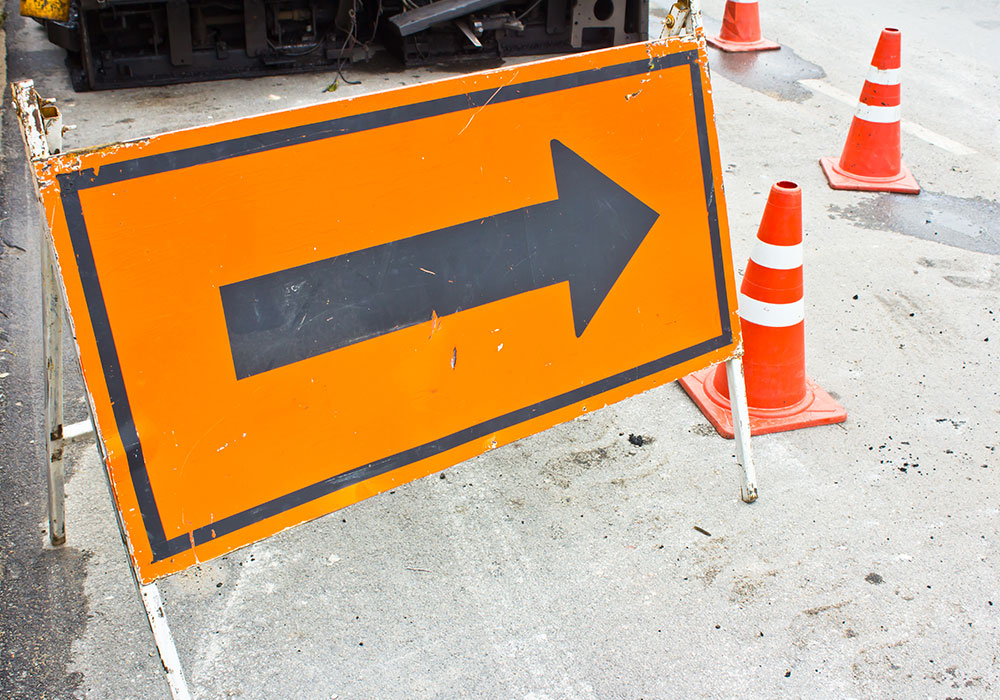 construction arrow sign